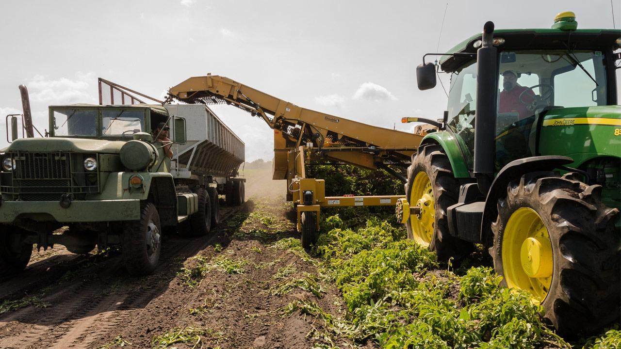 How Many Bushels of Corn Fit in a Semi-trailer