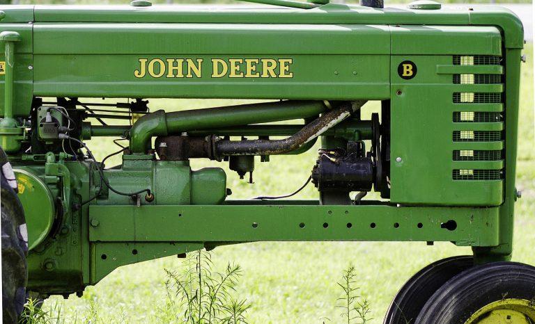 John Deere 2640 Review