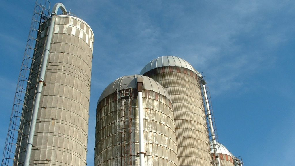 Why Are Grain Silos Round And Tall?