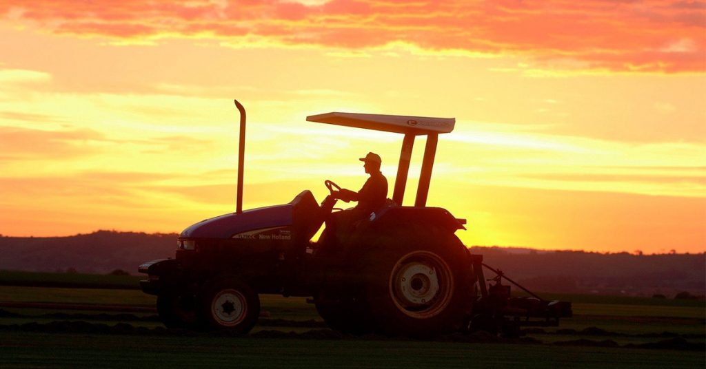 Which Country Has the Most Tractors per Capita