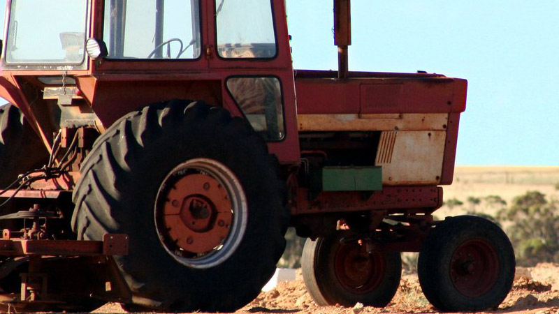 Why Do Tractors Have Smaller Front Wheels And Large Rear Wheels?
